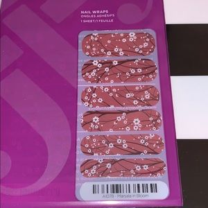 Jamberry wrap- Marsala in Bloom
